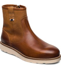 gobble shoes boots winter boots brun sneaky steve
