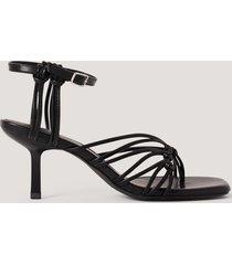 na-kd shoes sandaler med tåring och hälremmar - black