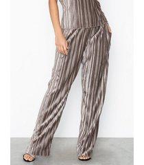 filippa k velvet plissé trousers byxor