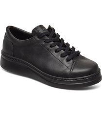 runner up snörade skor låga svart camper