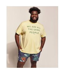 "camiseta masculina pipe plus size the same people..."" manga curta gola careca amarelo claro"""