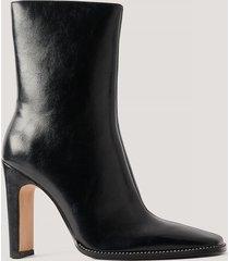 na-kd shoes högklackade stövlar med strassdetalj - black