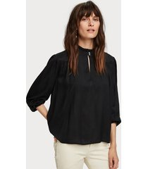 maison scotch 152493 viscose top with western yoke zwart