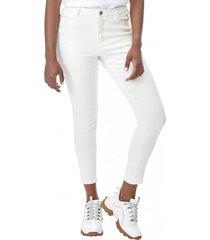 jeans color básico crop ecru corona