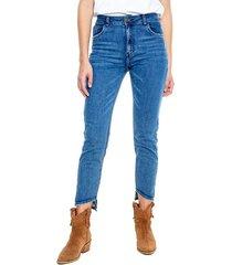 high waist cropped jeans tono oscuro con botas asimétricas color blue