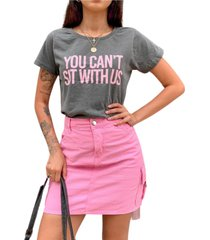 blusa in love t-shirt you can't sit with us chumbo