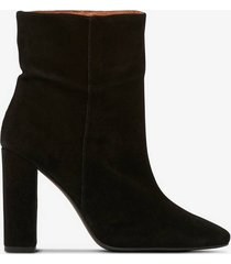 boots joan suede
