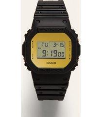 casio - zegarek
