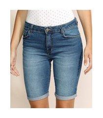 bermuda jeans feminina ciclista cintura alta com barra dobrada azul médio