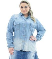 camisa jeans confidencial extra plus size com bolso feminina