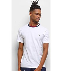 camiseta lacoste listra na gola manga curta masculina - masculino