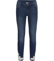 jeans med virkad spets