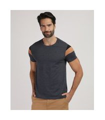 camiseta masculina com recortes em suede manga curta gola careca cinza mescla escuro