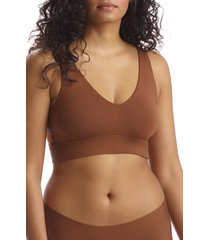 commando butter comfy bralette, size x-large in cinnamon at nordstrom