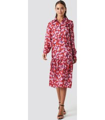 na-kd trend ankle length printed dress - pink,red,multicolor