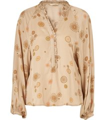 blus one to love blouse
