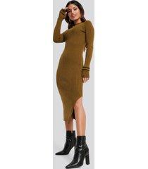 na-kd side split ribbed knit dress - brown