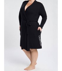 pijama feminino robe manga longa preto plus size calvin klein - 4xl
