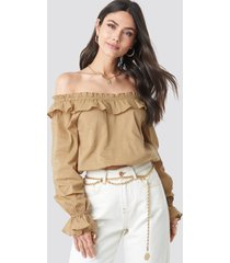 na-kd boho off shoulder frill crop blouse - beige