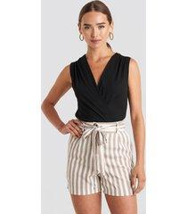 trendyol striped belted shorts - beige