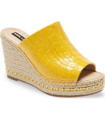 women's karl lagerfeld paris carina wedge sandal, size 11 m - yellow