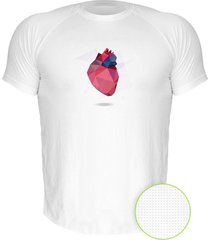 camiseta manga curta nerderia coracao geometrico branco