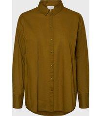 blusa vero moda camel - calce oversize