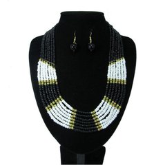 collar artesanal negro sasmon cl-12348