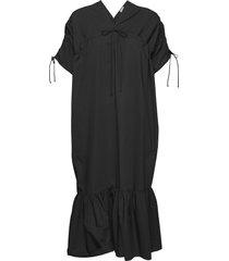 mironia knälång klänning svart by malene birger