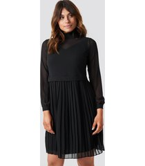 trendyol pleated midi dress - black
