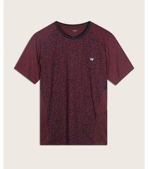 camiseta con estampado en frente y metido malla en contraste