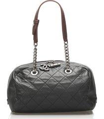 chanel matelasse lambskin leather shoulder bag black, brown sz: m