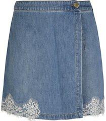 ermanno scervino floral applique bermuda shorts