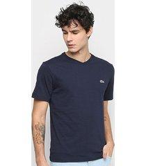 camiseta lacoste lisa gola v masculina - masculino