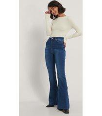 trendyol utsvängda jeans - navy