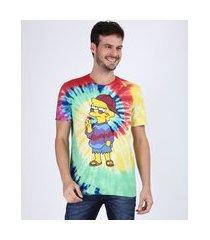 camiseta masculina lisa simpson estampada tie dye manga curta gola careca multicor