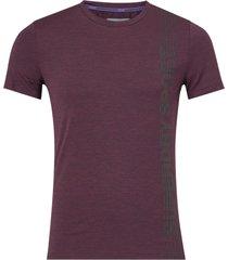 tränings-t-shirt active tight linear print tee