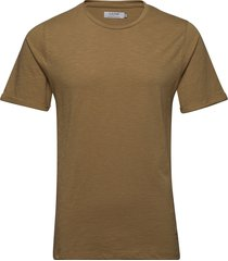 core tee t-shirts short-sleeved beige ljung by marcus larsson