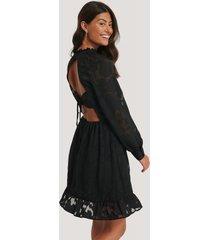 na-kd boho open back flower applique dress - black