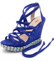sandália anabela gladiadora de nó gisela costa azul