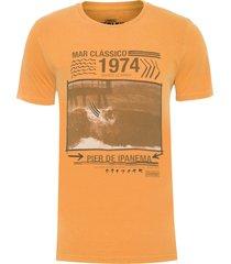 t-shirt masculina tinturada 1974 - caramelo