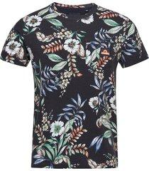 aop pocket tee t-shirts short-sleeved svart superdry