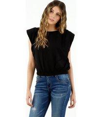 camisa de mujer, cuello redondo, manga sisa, con prenses en los hombros, color negro