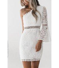 blanco one hombro manga campana encaje vestido