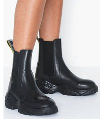 buffalo gila flat boots