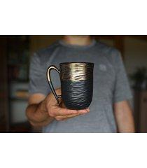 kubek czarne złoto ceramiczny rzeźbiony 325 ml