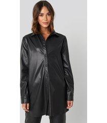 na-kd faux leather shirt - black