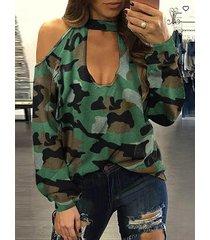 camiseta de manga larga con hombros descubiertos y hombros descubiertos de camuflaje verde militar