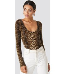 na-kd party leo round neck body - brown