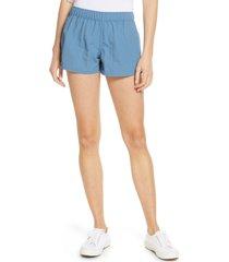 women's patagonia barely baggies shorts, size x-large - blue